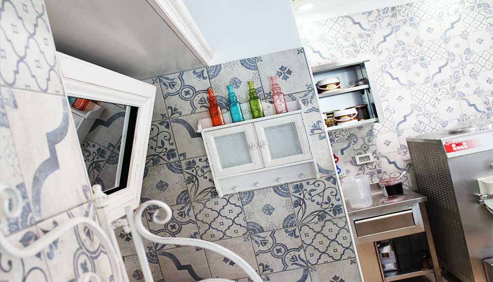 Arredamento Ufficio Shabby Chic : Arredamento gelateria contract glamour delice by rmg project studio